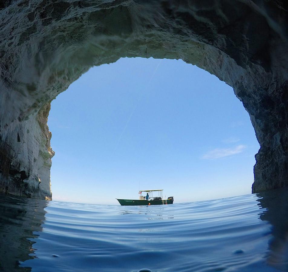 carmen island cave